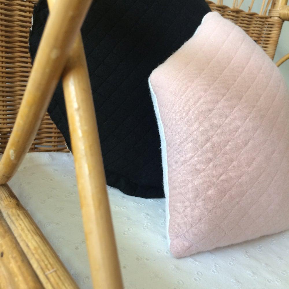 Image of Mini coussin Maison réversible rose
