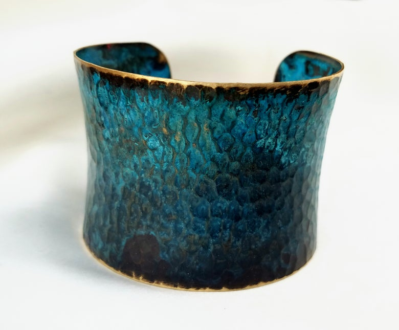 Image of Quasar Big Hammered Cuff