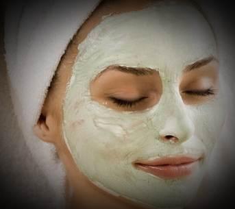 Image of Masker Wajah Sebagai Pemutih Alami