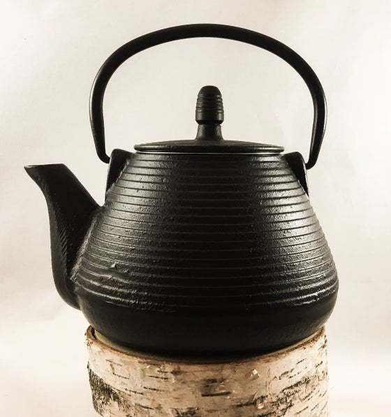 Image of RIPPLE CAST IRON TEAPOT