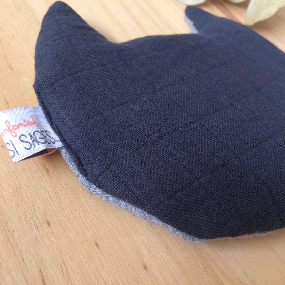 Image of Bouillotte sèche pour bébé CHAT en lange bio noir teint