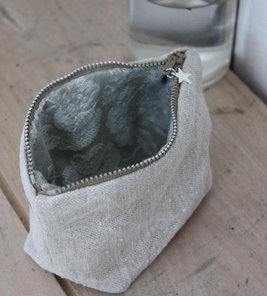 Image of Petite trousse ou porte monnaie.