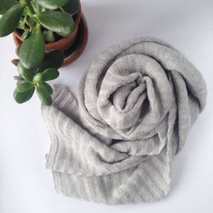 Image of Fishbone Pattern Scarf // Light grey