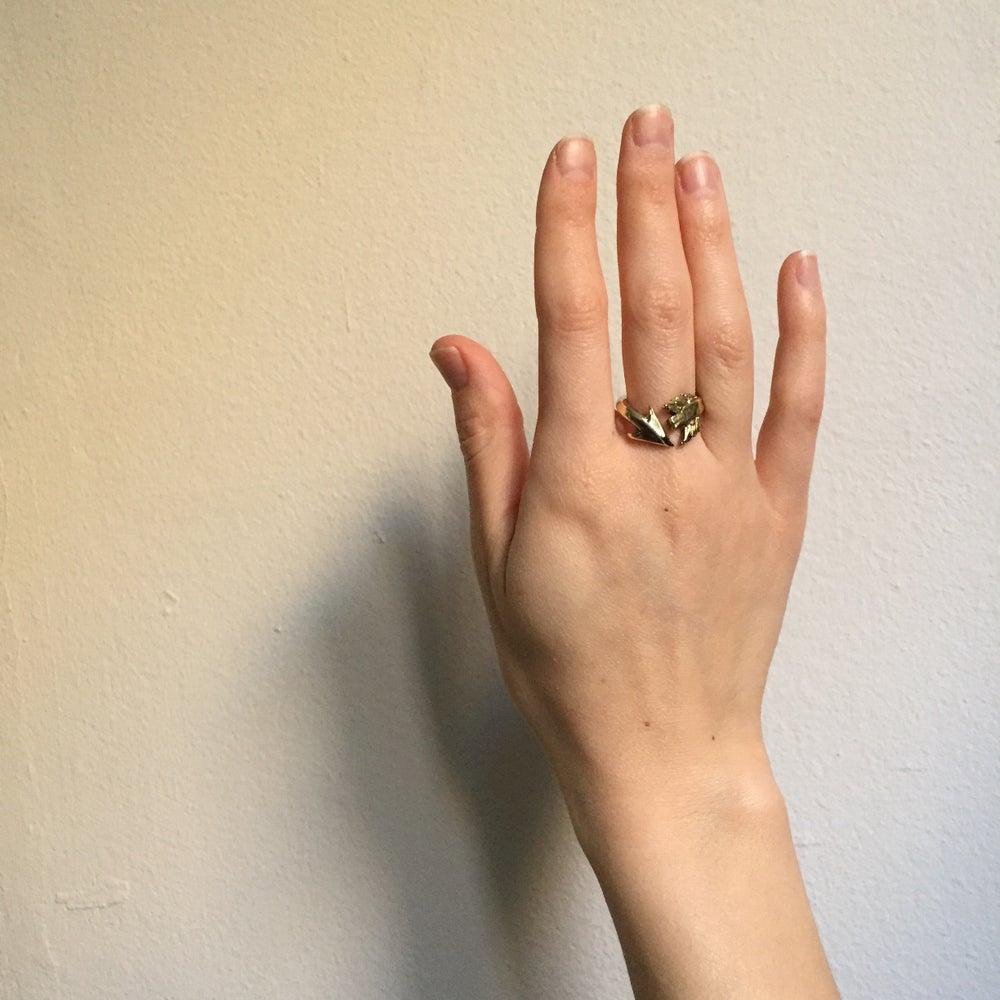 Image of Flashing Arrow Ring