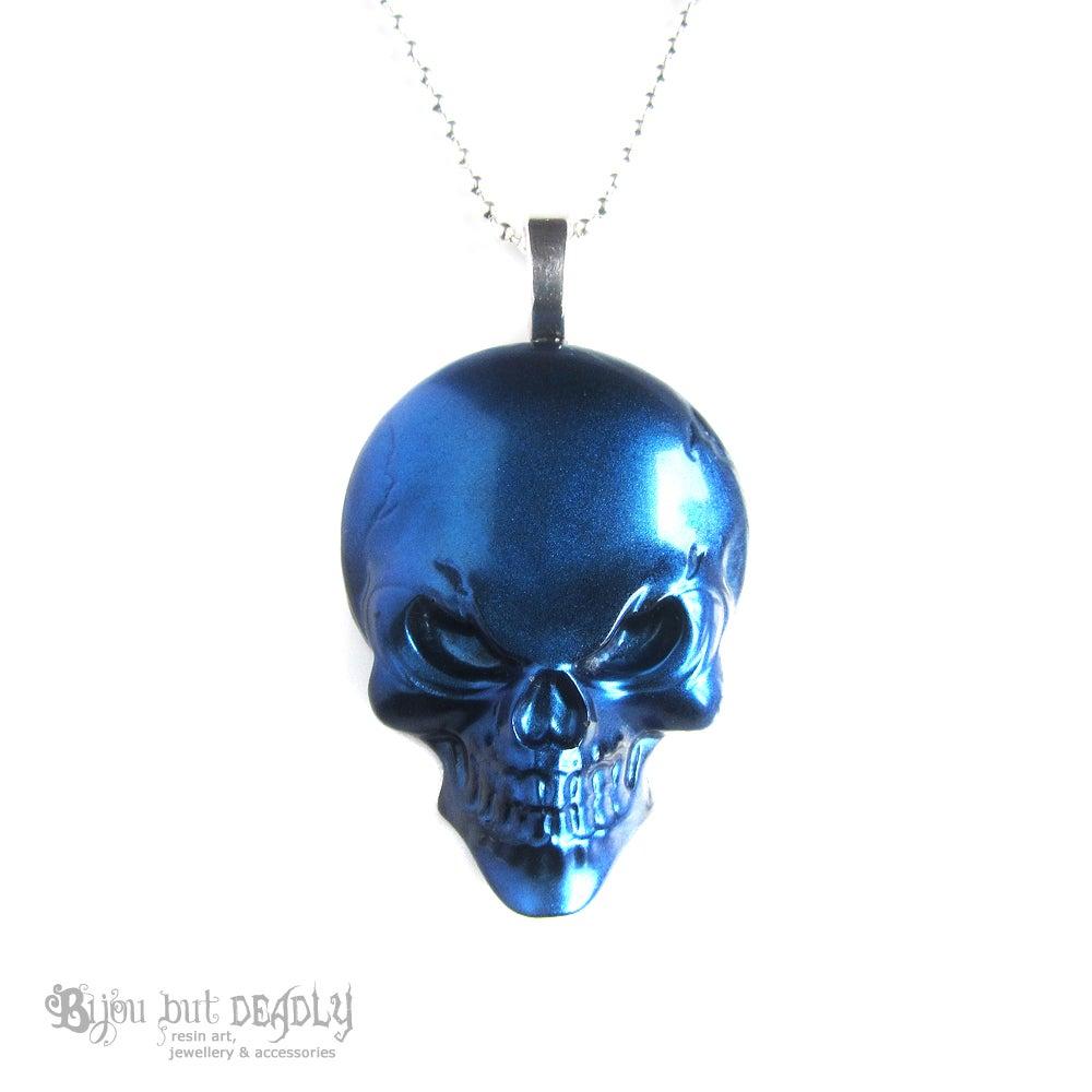 Image of Metallic Effect Resin Skull Pendant