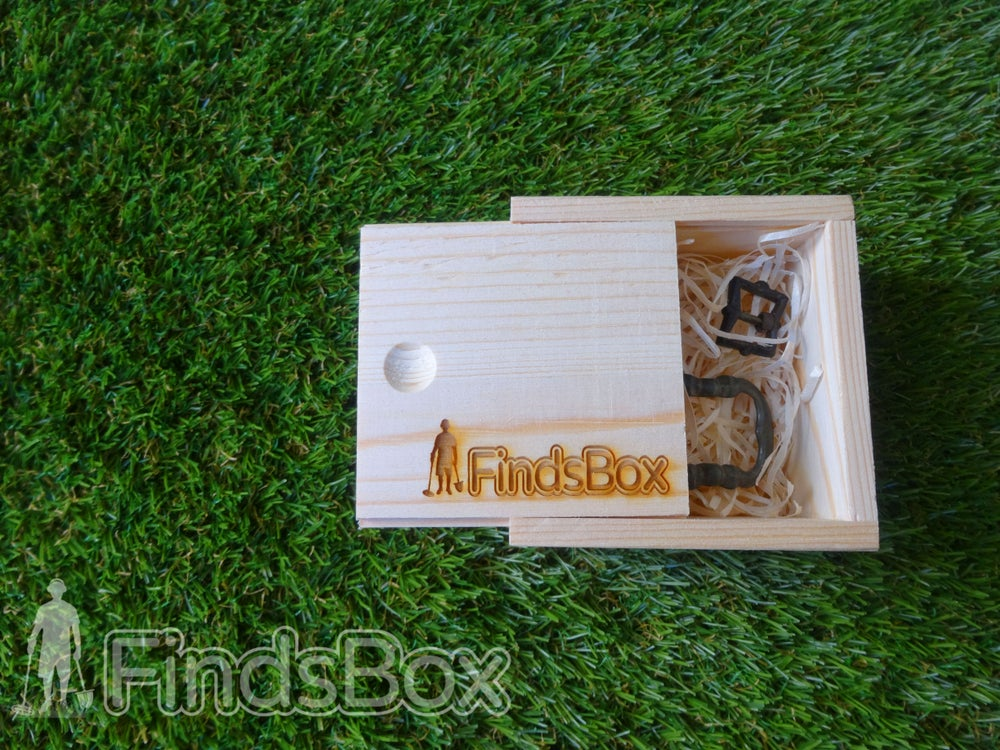 Image of Metal Detecting Online Shop Present - Pine Finds Box with sliding lid
