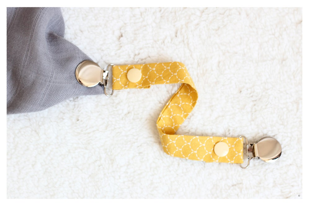 Image of Attache tétine ou doudou Mustard Scales