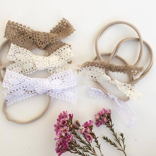 Image of Lace Bow Set