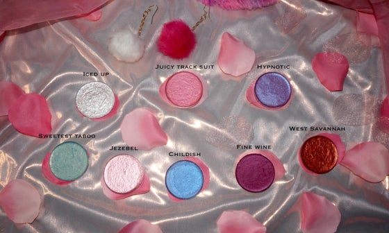 Image of EYESHADOWS (44mm)