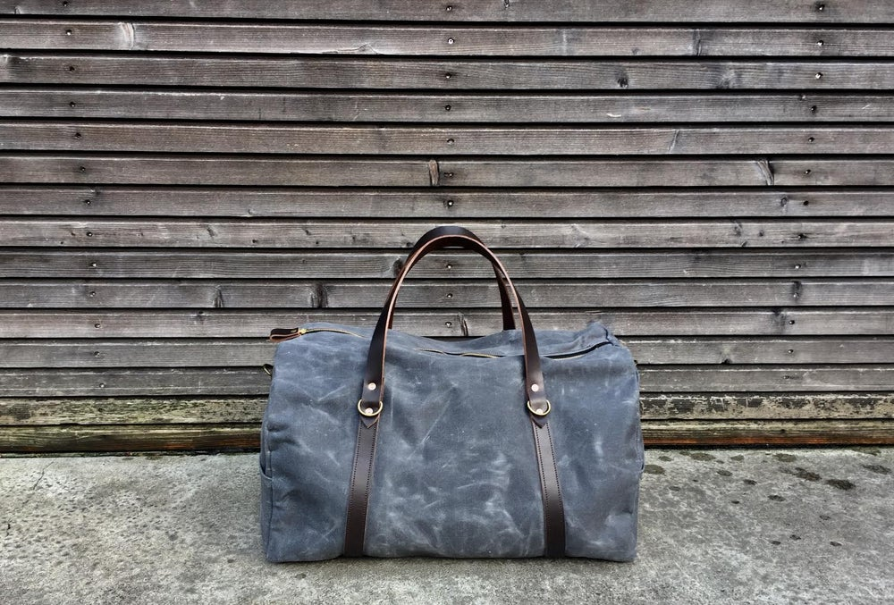 Image of weekender, duffelbag, travel bag in waxed canvas and leather