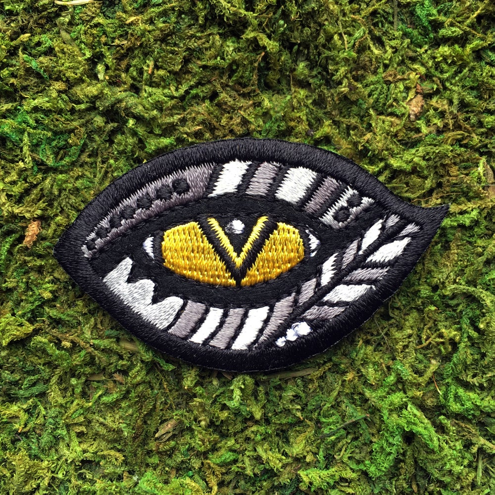 Image of Cat's Eye- Iron on Patch
