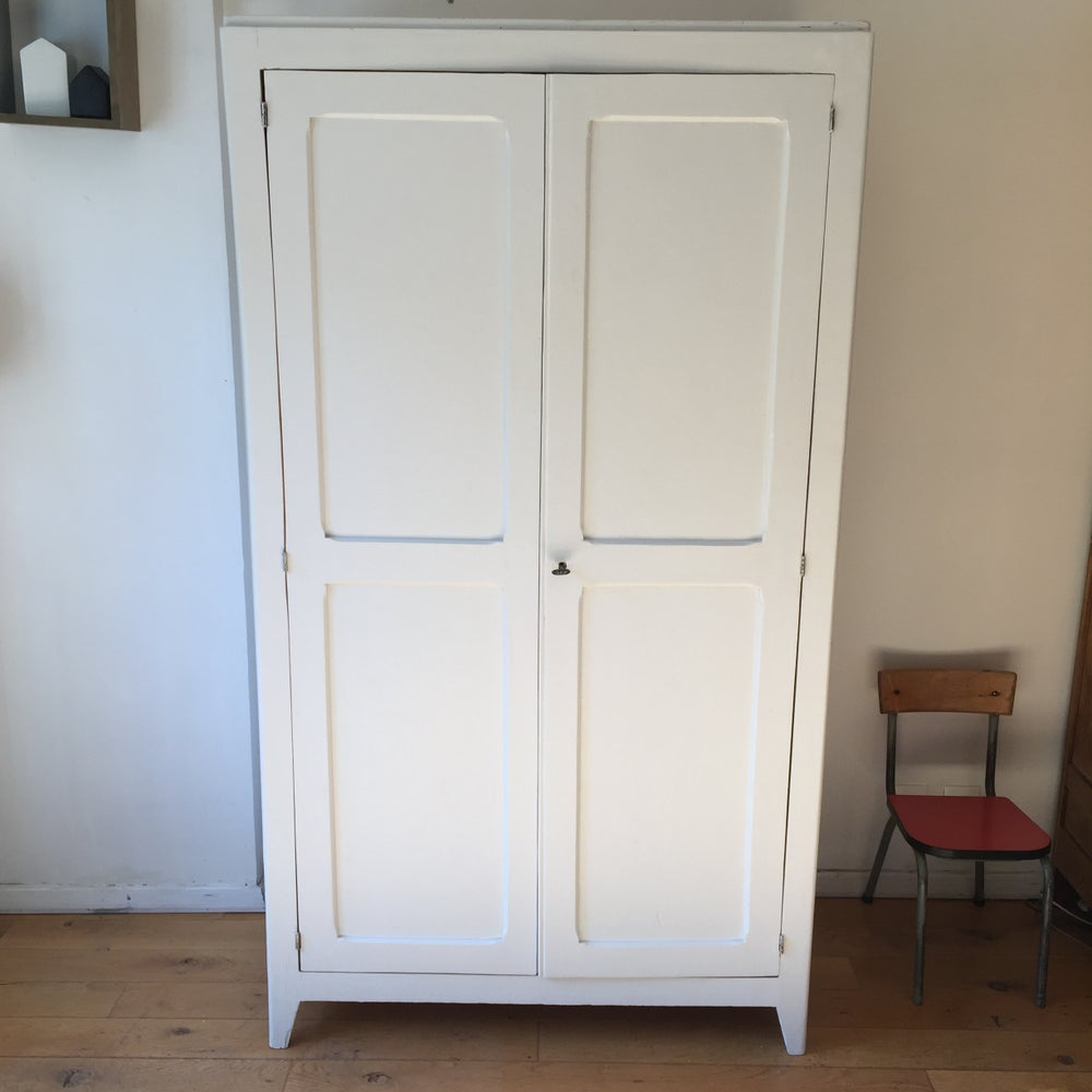 Image of Gabrielle, armoire