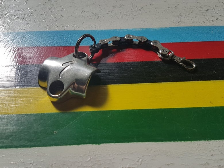 Image of Specialized Steerer Clamp & KMC Bicycle Chain Keyring