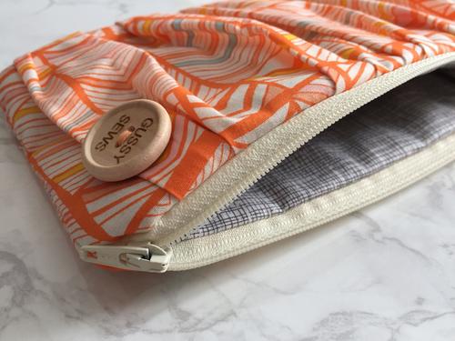 Image of Peachy Peach medium zip