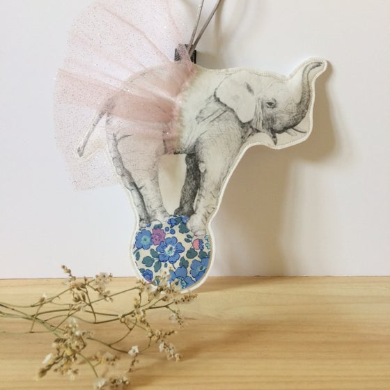 Image of Veilleuse collab Mr Naturaliste ELEPHANT tutu