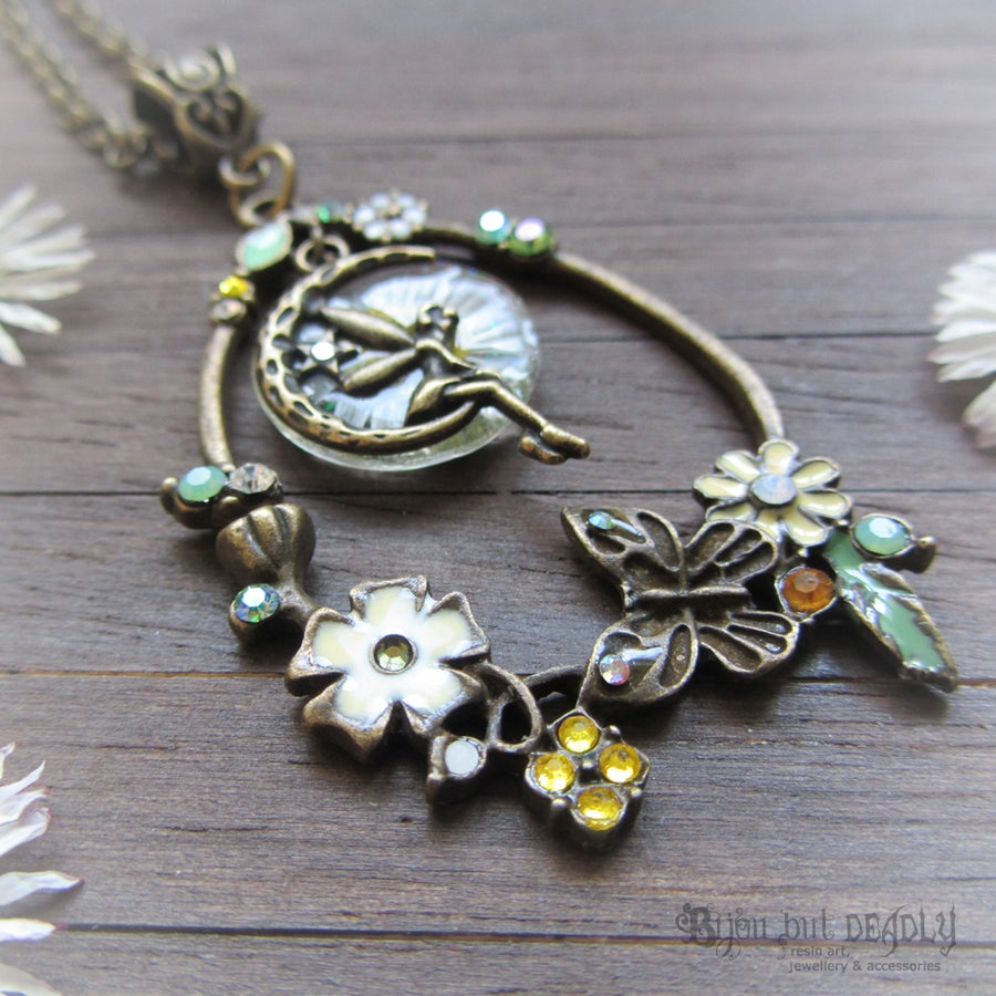 Image of Fairy Wish Daisy Floral Necklace