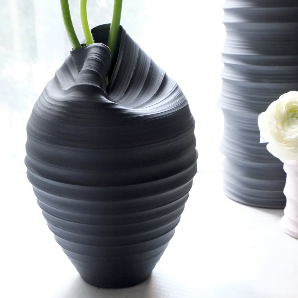 Image of Casper Vase, Black Velvet, #812