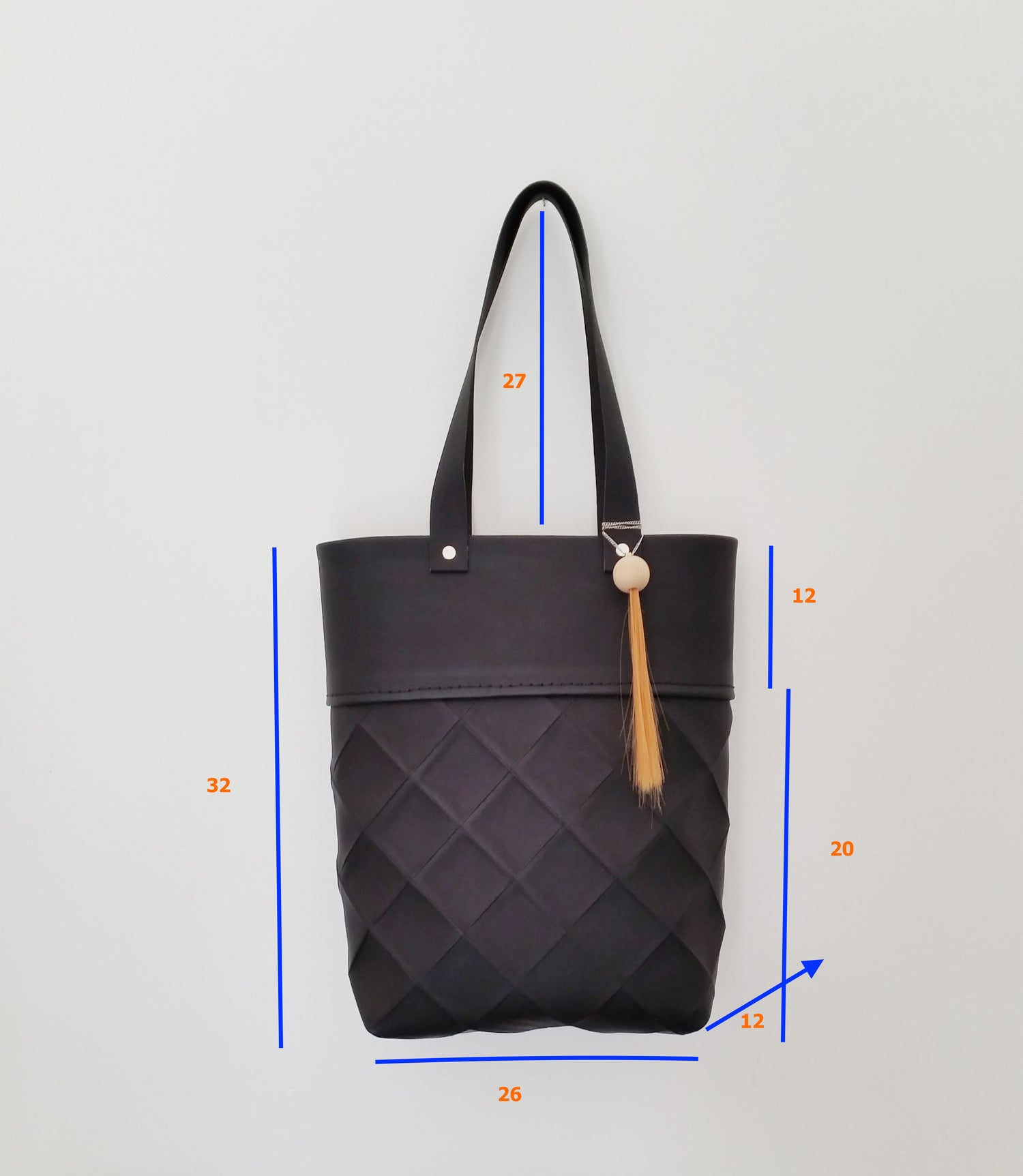 Image of NEW - ORIGAMI BAG IN RECYCLED LEATHER