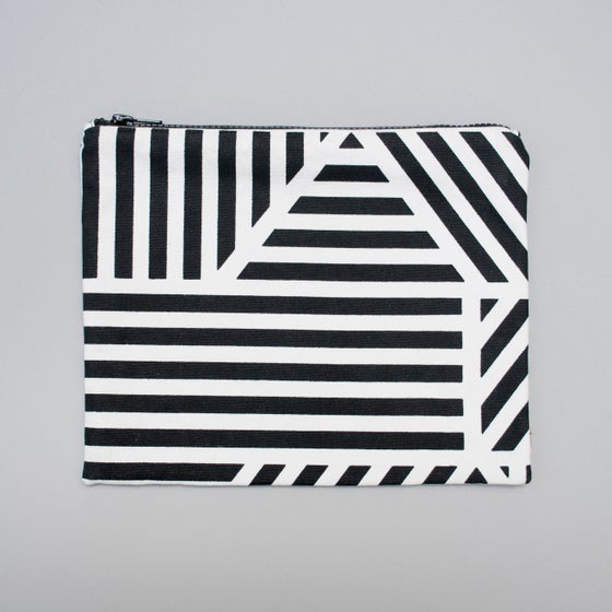Image of Loha monochrome flat purse by Kangan Arora - 10% off
