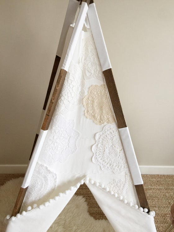 Image of White Doily teepee