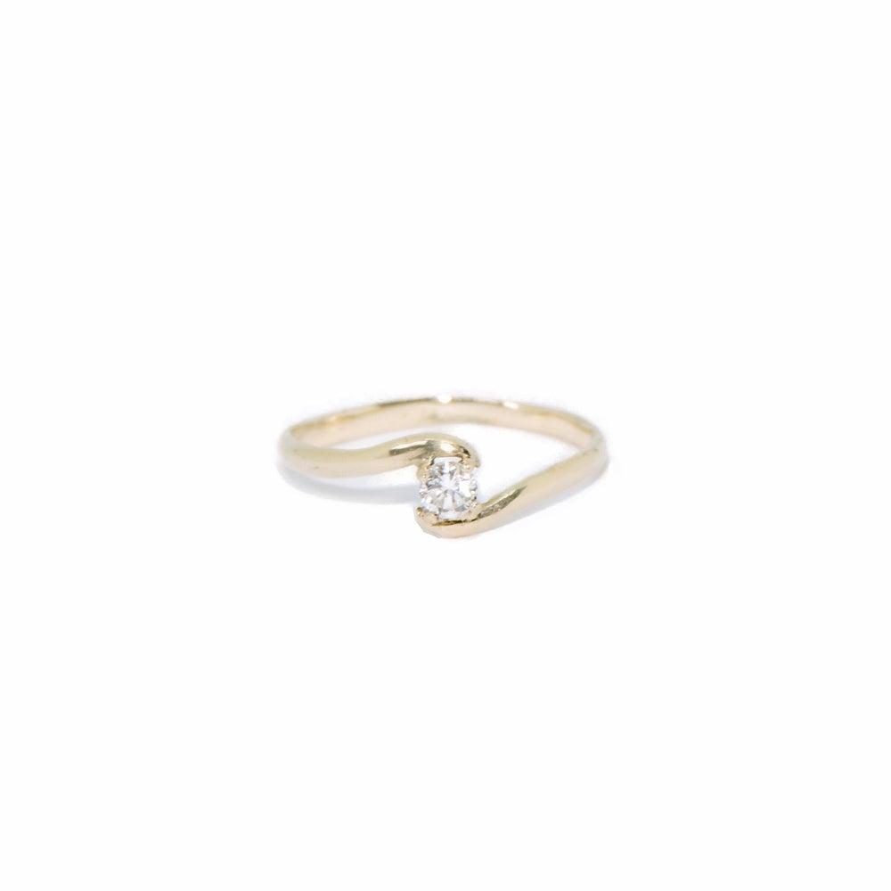 Image of wave diamond ring