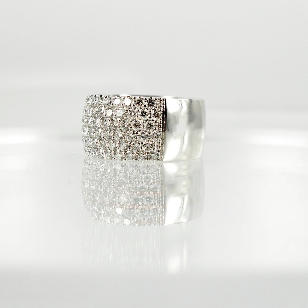 Image of PJ5454 White gold and diamond Cocktail