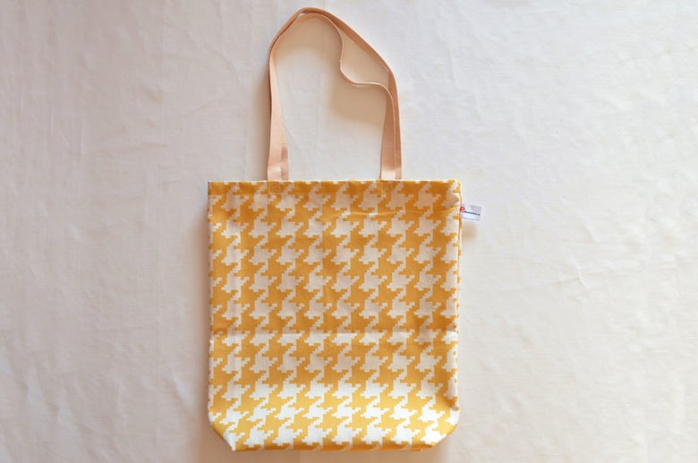 Image of Yellow bag