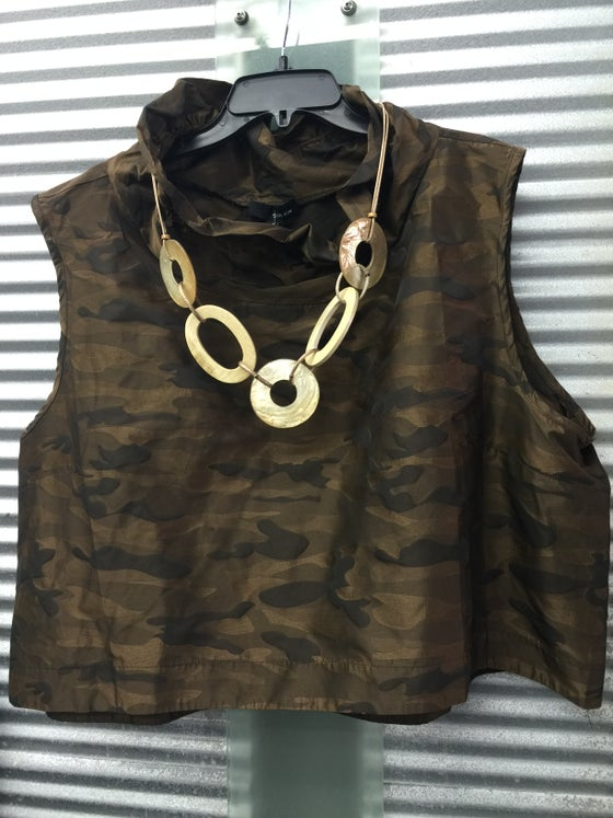 Image of Camo vest with memory wire cowl