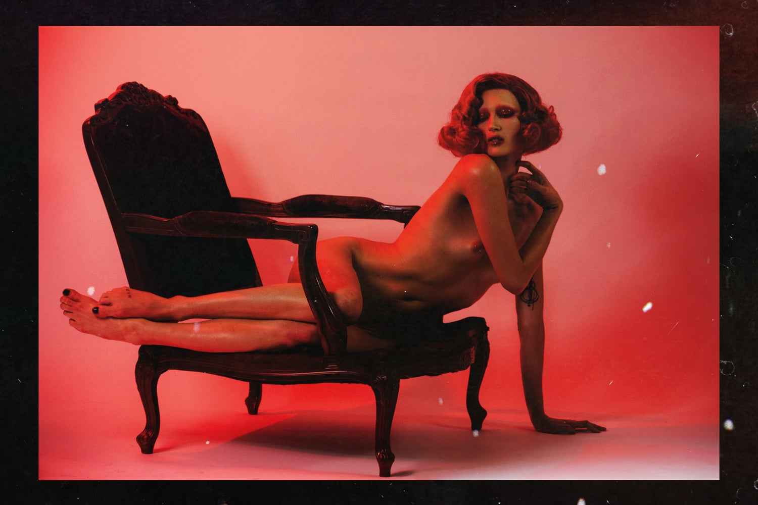 Image of NAKID MAGAZINE - RED ISSUE - ALL NUDE EDITORIAL BOOK (DIGITAL FORMAT)
