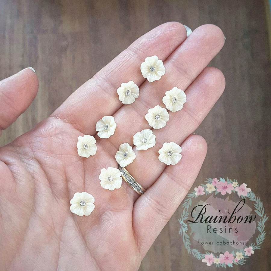 Image of Cream diamanté blossoms x 5