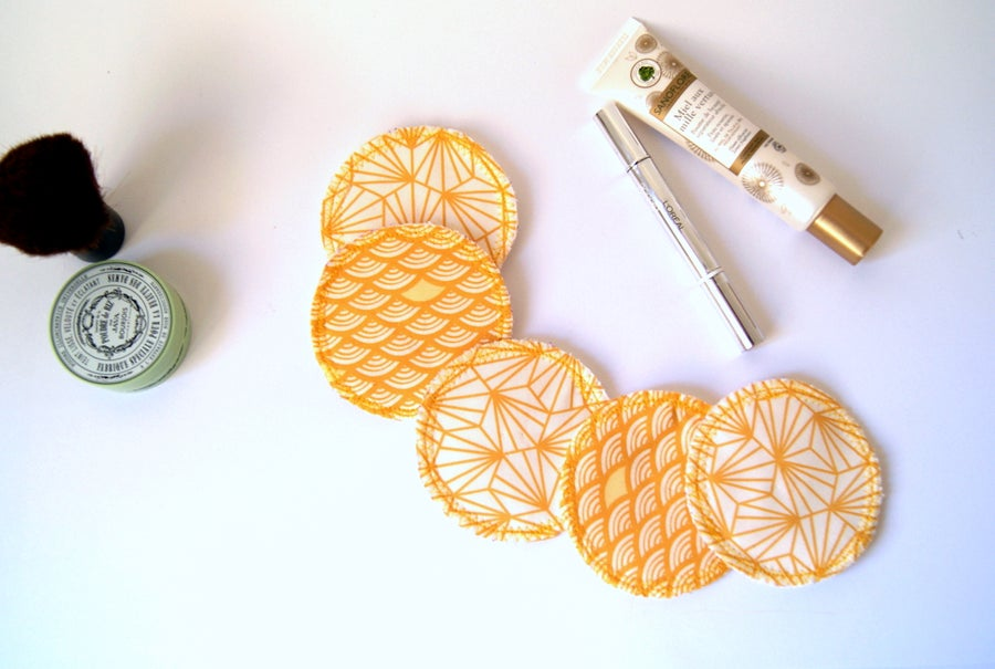 Image of Yellow reusable cosmetic pads / Cotons démaquillants lavables jaunes