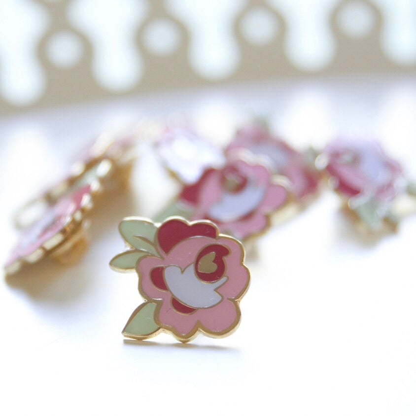 Image of Pockets with Posies Enamel Pin