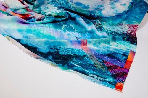 "Image of ""ENDLESS SUMMER"" / SILK SCARF 140x140cm"