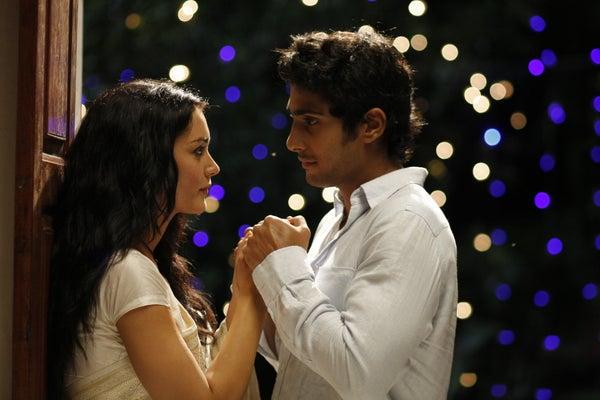 Image of Madhavanum Malarvizhiyum Full Movie Free Download