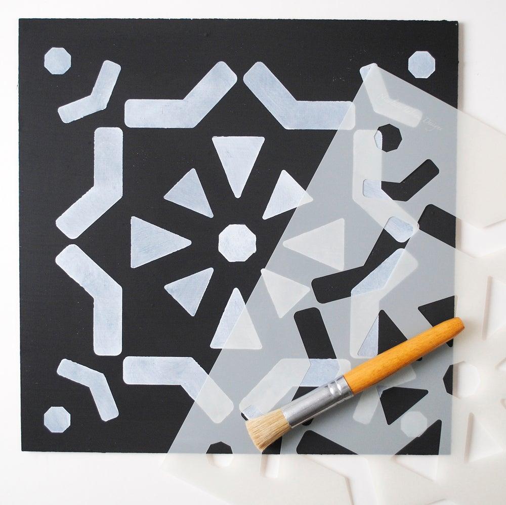 Image of Large Ronda Floor Stencil