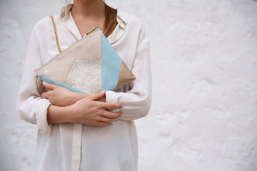 Image of Pochette *NINA* bleue et dorée.
