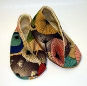 Image of Japanese Umbrella Kimono wrap shoes