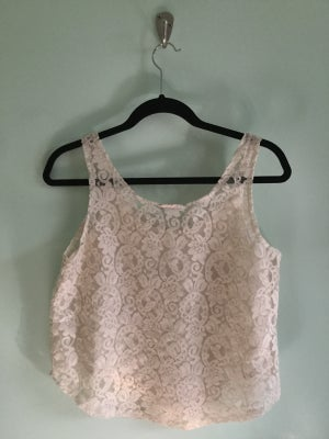 Image of cream lace tank crop top