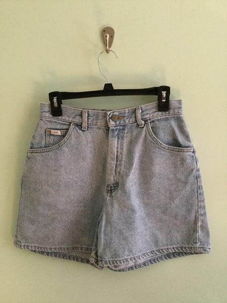 Image of 90's Lee washed denim mom shorts