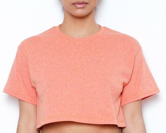 Image of Ekineyo Standard Crop T-Shirt - Sunrise
