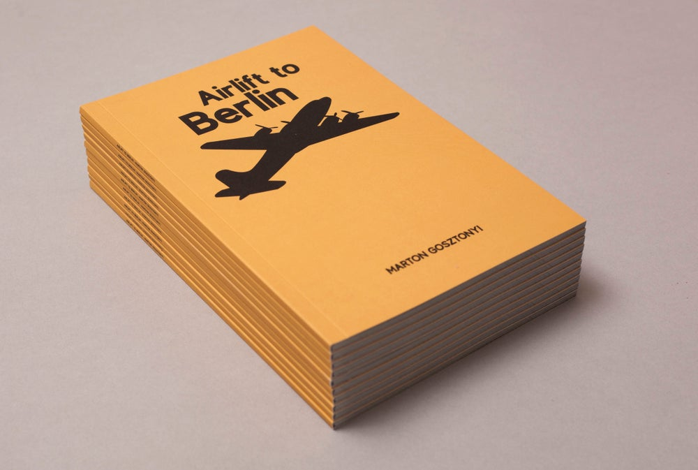 Image of Airlift to Berlin by Marton Gosztonyi