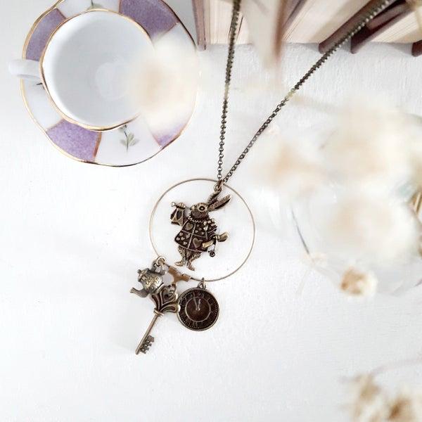 Image of Alice nel Paese delle Meraviglie - collana tre ciondolini