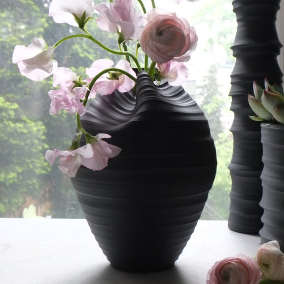 Image of Casper Vase, Black Velvet, #830