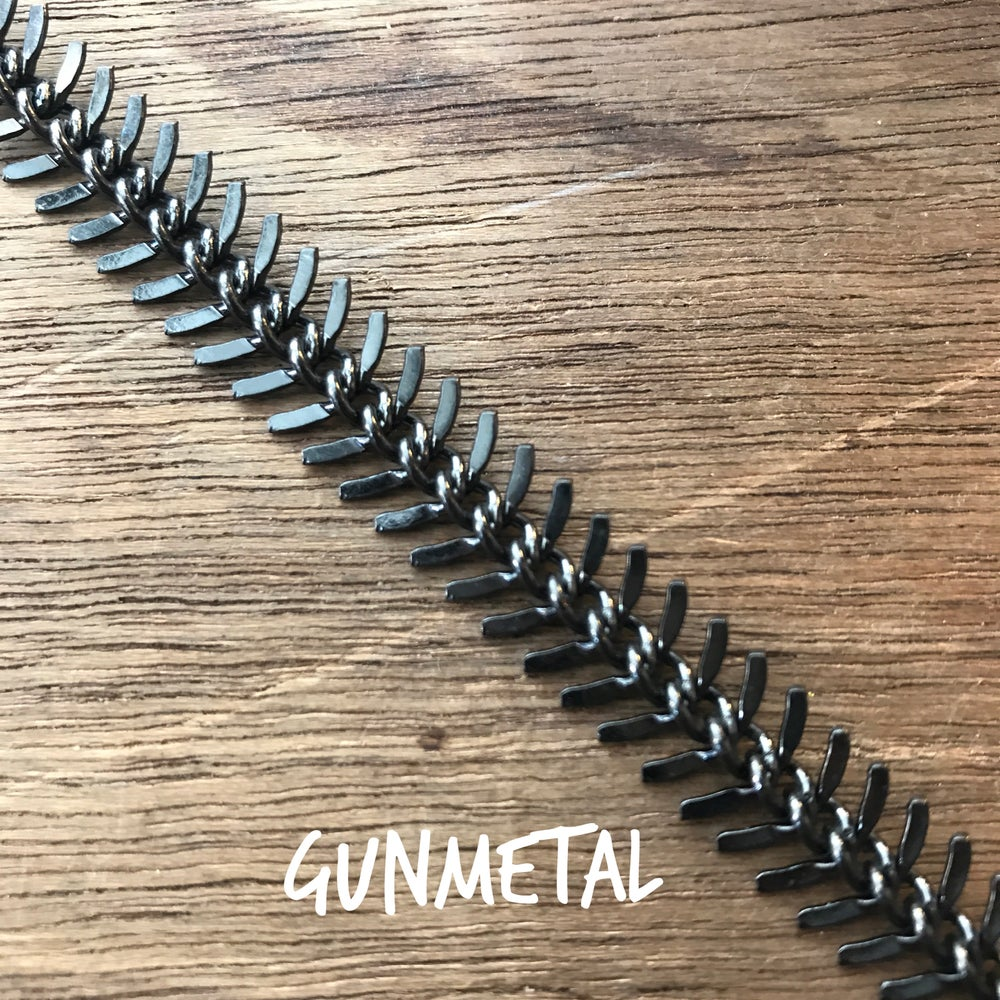 Image of Spine Choker