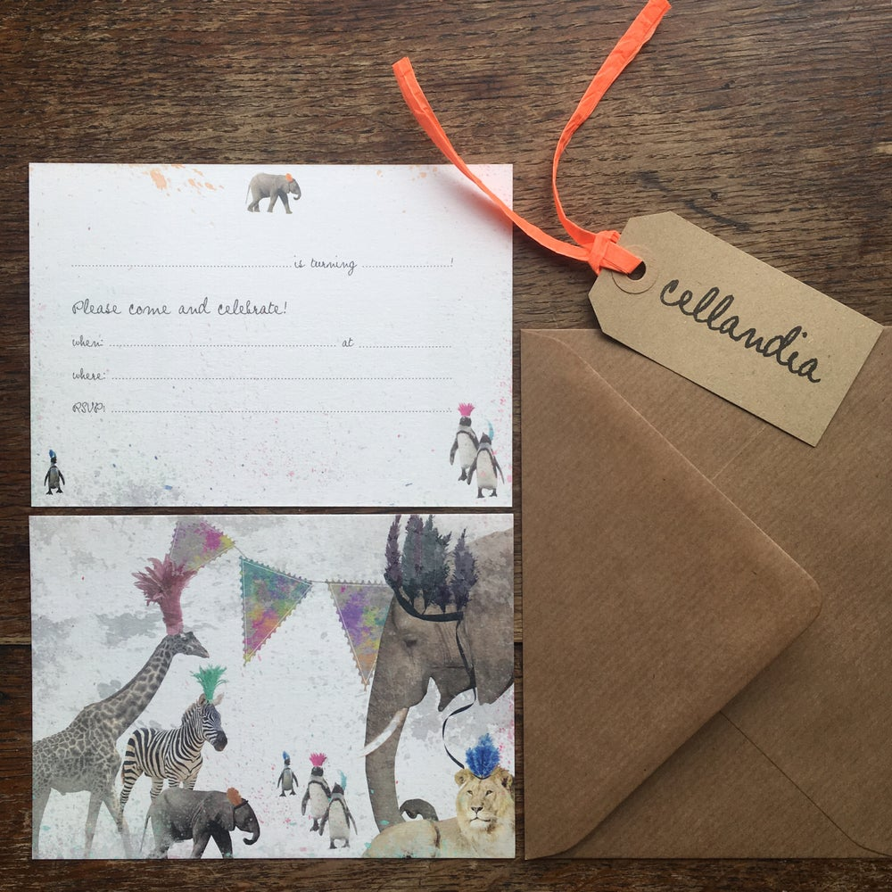 Image of Set of 8 x Safari Party Invitations