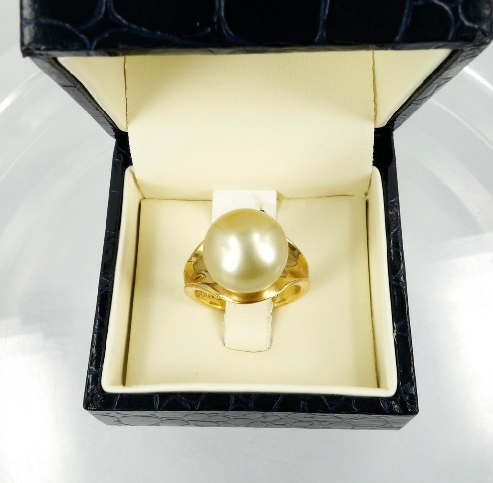 Image of Pearl + 18ct Yellow gold Cocktail Ring