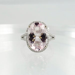 Image of 18ct White gold ring set with 5.25ct Morganite