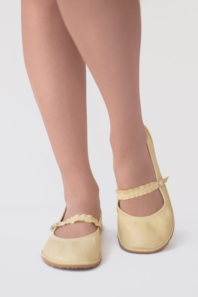 Image of Veg-Tanned - Twist Mary Janes in Pastel Yellow