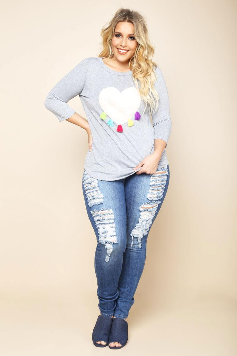 Image of PLUS SIZE TASSELED HEART SWEATSHIRT