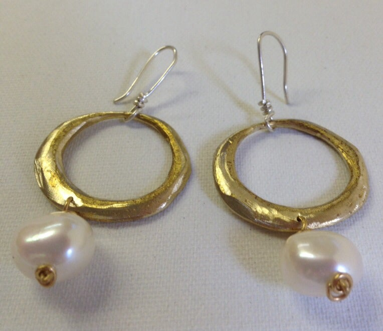 Image of Pearl and Circle Drop Earrings